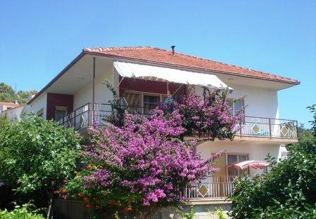 Apartment in Vinišće, Croatia