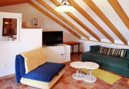 Studio Apartment in Okrug Donji, Croatia