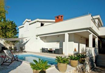 4 bedroom House for rent in Okrug Gornji