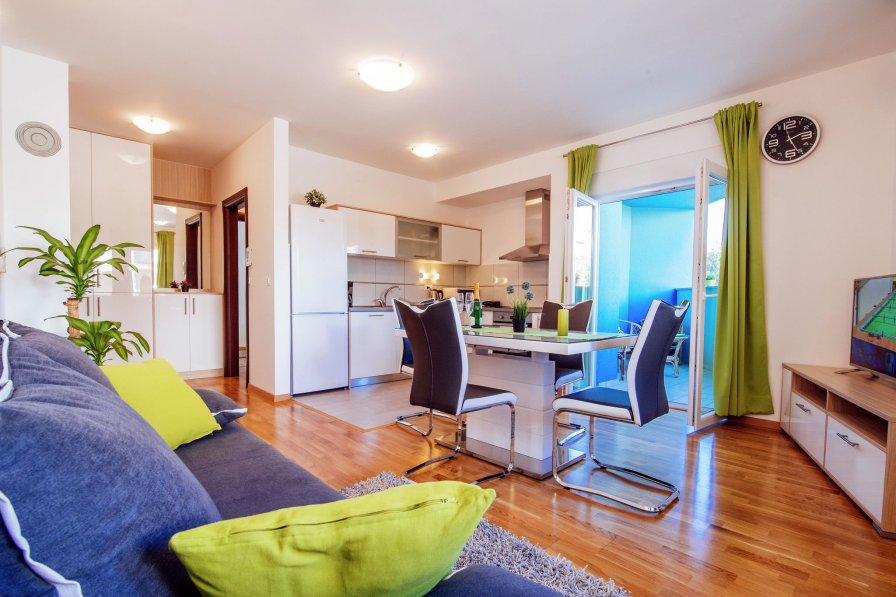 Green Rainbow apartment