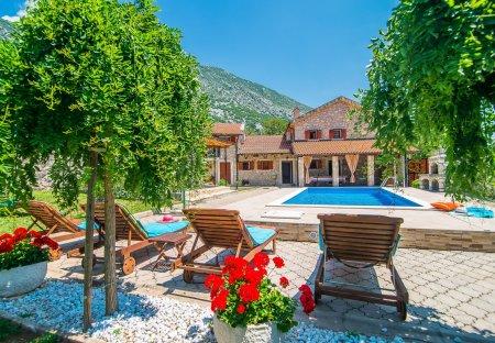 Villa in Drivenik, Croatia