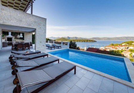 Villa in Mali Iž, Croatia