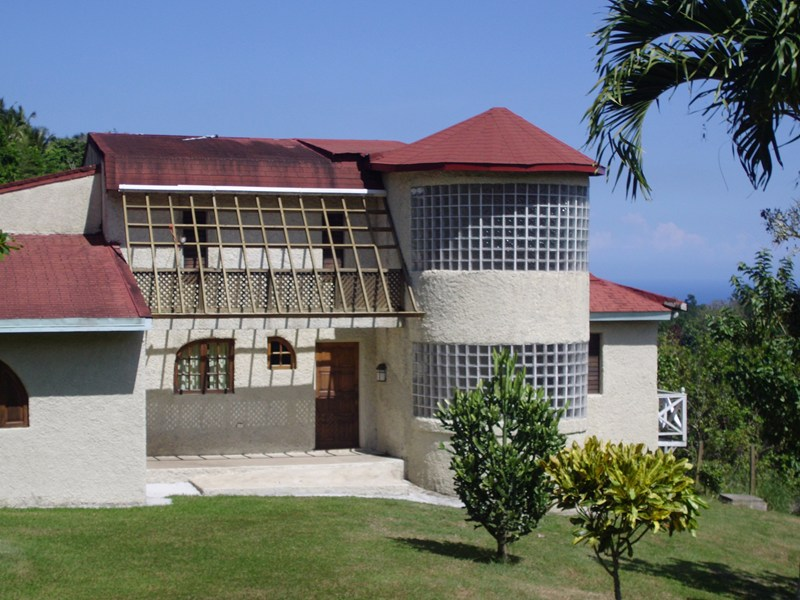 Country house in Jamaica, Saint Ann's Bay: Front