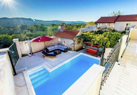 Villa in Zapužane, Croatia