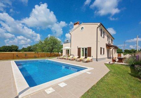 Villa in Puntera, Croatia