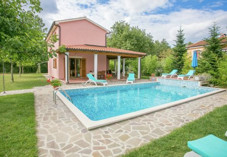 Villa in Laginji, Croatia