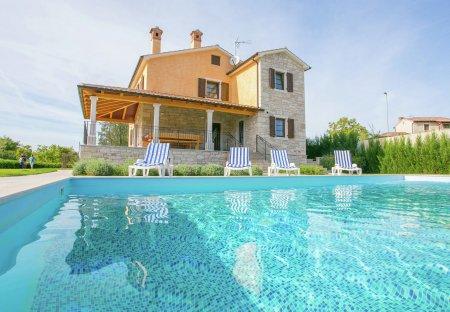 Villa in Dubravci, Croatia