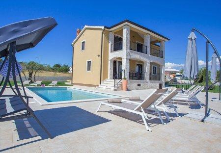 Villa in Montižana - Montisana, Croatia