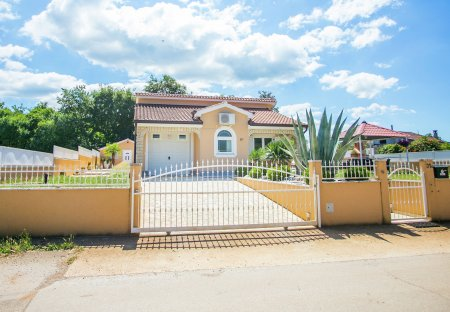 Villa in Radmani, Croatia