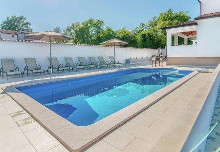 Villa in Vežnaveri, Croatia