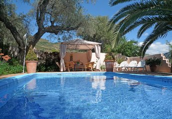 Villa in Spain, ORGIVA: Welcome to our glorious private pool, relax in sun or shade