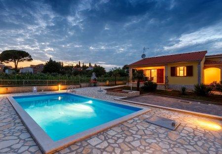 Villa in Kaštelir, Croatia