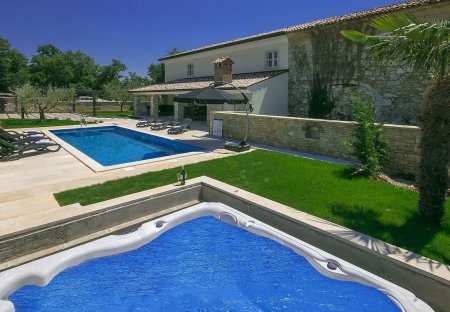 Villa in Blagdanići, Croatia