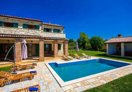 Villa in Strpačići, Croatia