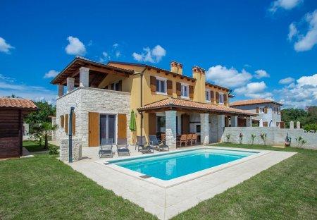 Villa in Šušnjići - Susnici, Croatia
