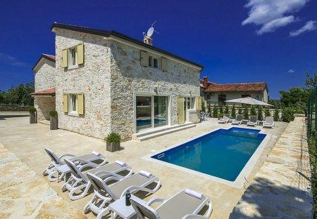 Villa in Tar, Croatia