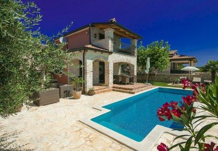 Villa in Frata, Croatia