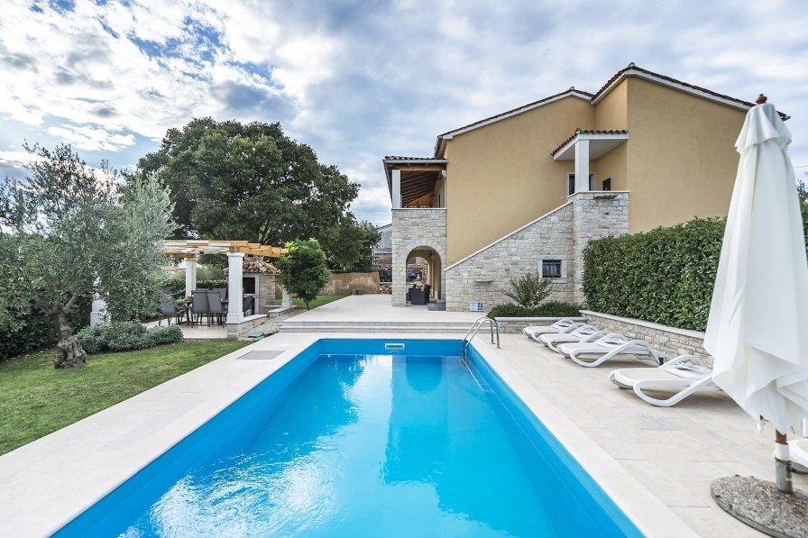 Villa in Croatia, Marasi