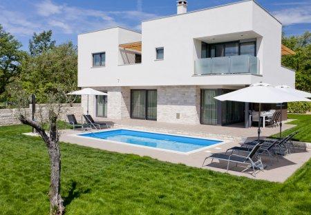 Villa in Karigador, Croatia