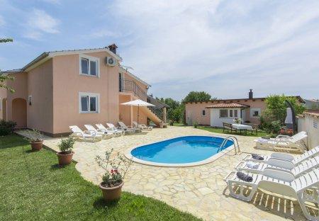 Villa in Labinci, Croatia
