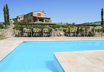 4 bedroom Villa for rent in Pienza