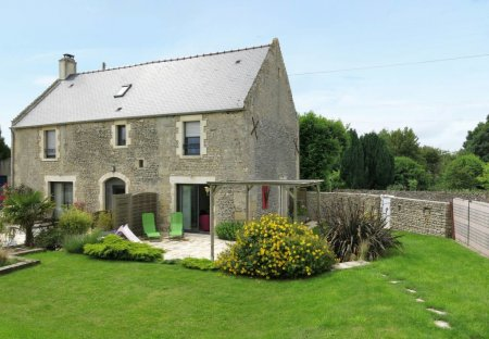 House in Ver-sur-Mer, France