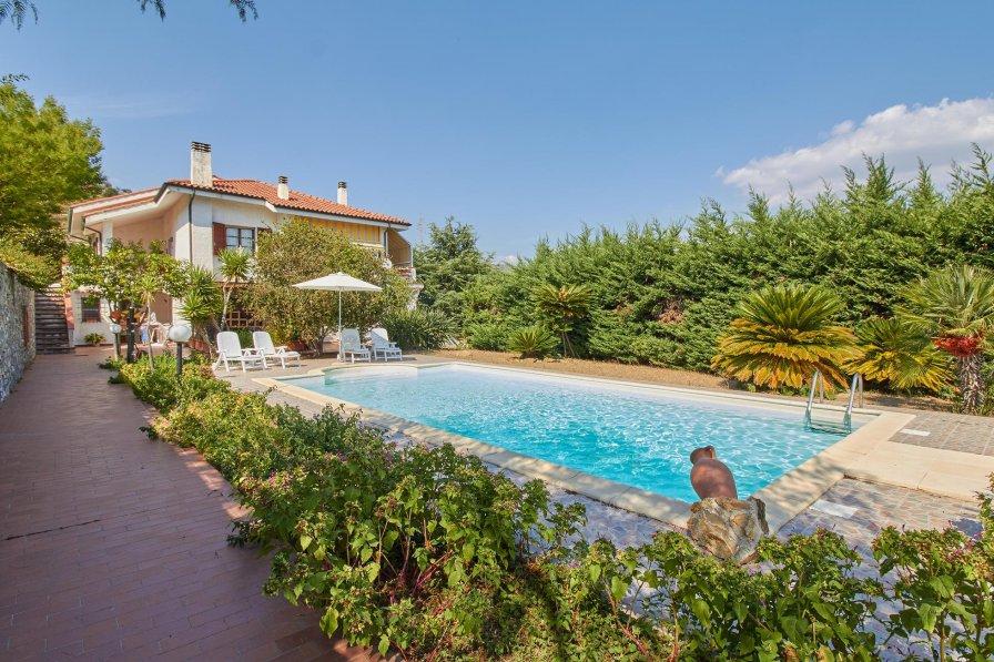 Villa in Italy, Imperia