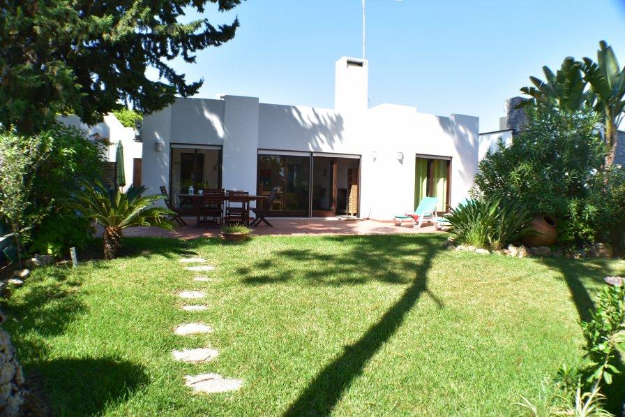 Villa in Portugal, Semino
