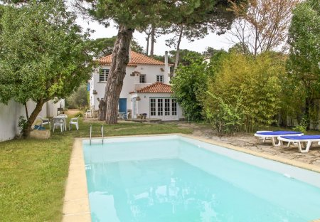 Villa in Mucifal, Lisbon Metropolitan Area