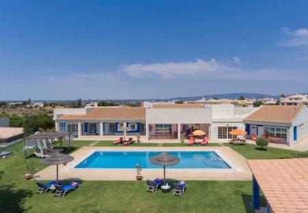 Villa in Bemposta (Portimăo), Algarve