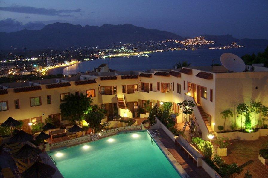 Apartment in Spain, L'Albir: Digimax A50 / KENOX Q2