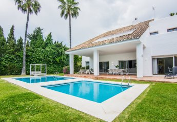 3 bedroom Villa for rent in Puerto Banus