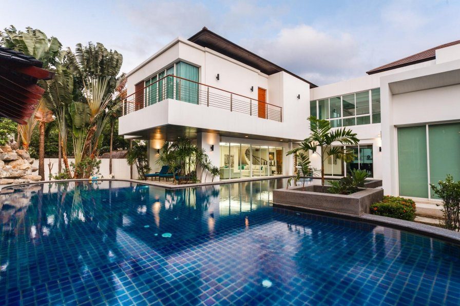 Thai holiday villa rental with private pool