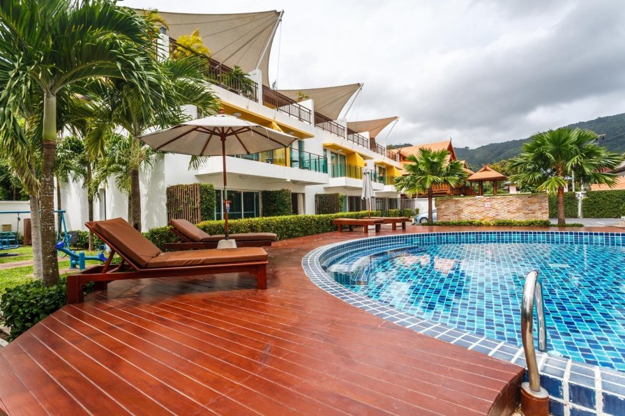 Thai holiday home rental with shared pool