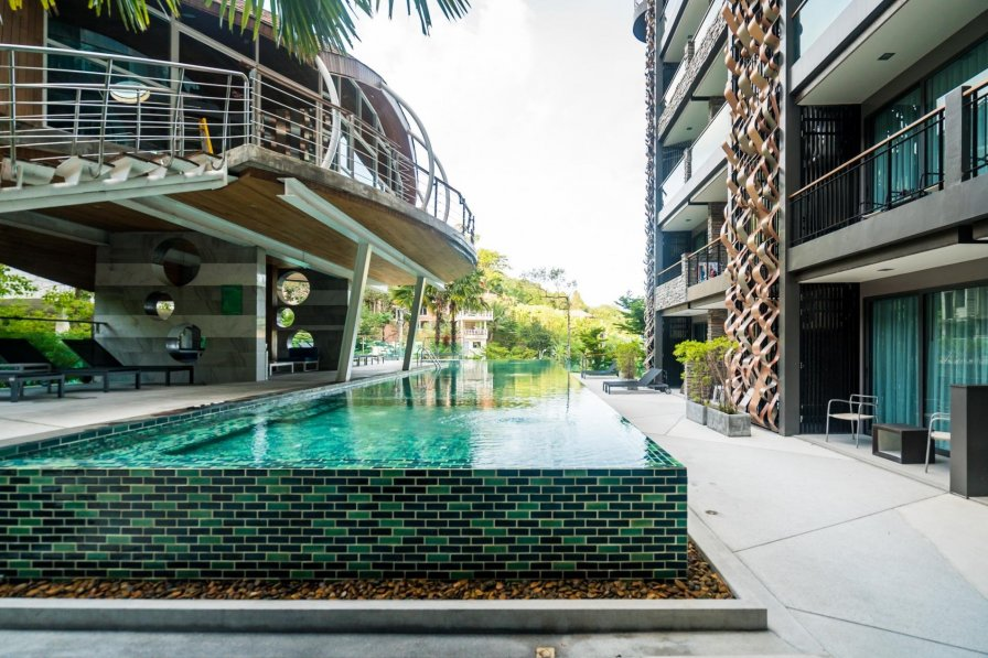 ET811 - Top floor pool view condo in Patong, Pool and gym.