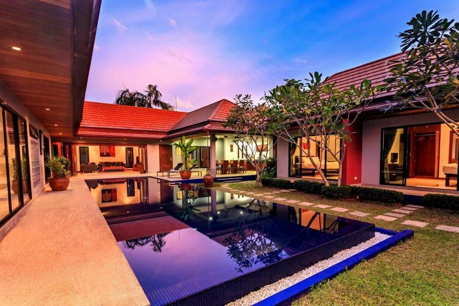 Holiday villa in Rawai, Phuket, with swimming pool