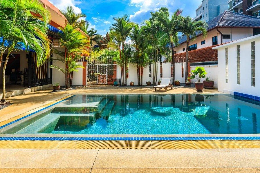 Thai holiday villa rental with swimming pool