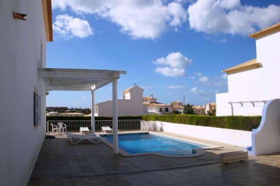 Holiday villa in Vale Rebelho
