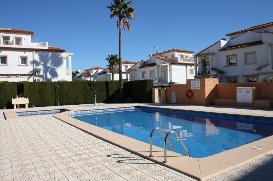 bungalow to rent in santa engracia spain with swimming