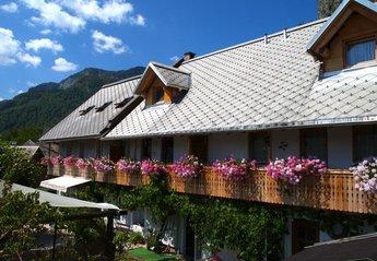 Apartment in Slovenia, Bled: Haus Katricnek