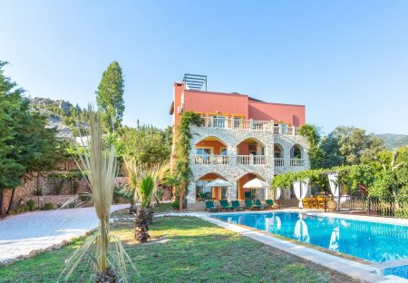 Villa in Islamlar, Turkey
