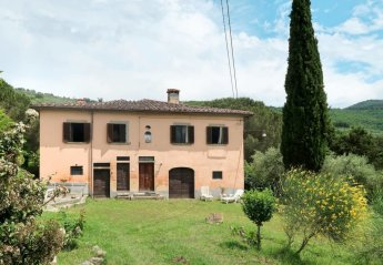 3 bedroom Villa for rent in Arezzo