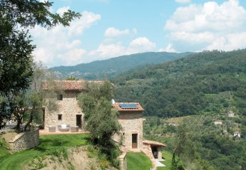5 bedroom Villa for rent in Pescia