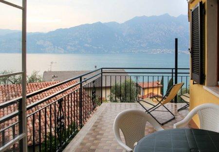 Apartment in Navene, Italy