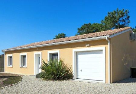 House in Vendays-Montalivet, France