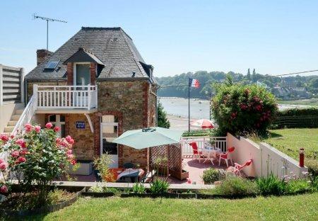 Apartment in Saint-Cast-le-Guildo, France