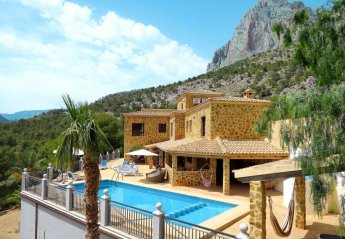 5 bedroom Villa for rent in Benidorm