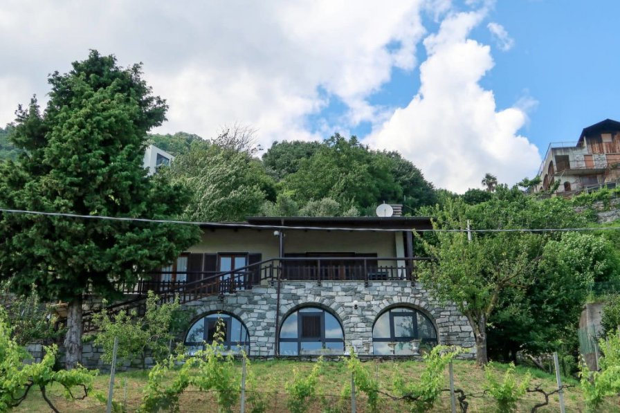 Villa in Italy, Domaso