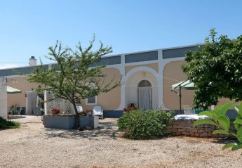 4 bedroom Villa for rent in Martina Franca