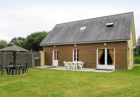 House in Saint-Laurent-sur-Mer, France